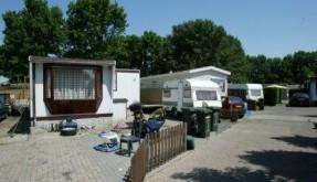 Woonwagenkamp te Harderwijk.foto: Anton Dommerholt 27-05-05